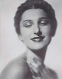 Внучка армянского помещика, соперница Вивьен Ли, переводчица балетных звезд